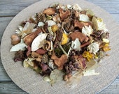 Country Farm Potpourri with Grubbied Animals, Special Blend, Scented, Rustic, Saltdough, Farmhouse Decor, Room Scent, Refresher Oil Included