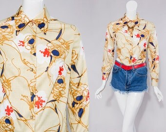 70s gold/red/blue print shirt gold buttons | size small