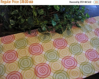ON SALE Table Runner Padded Modern Circles Print on Cream