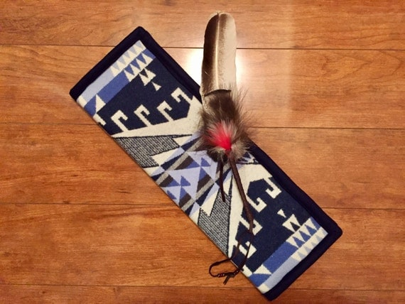 Feather Holder Wool Navy Blue & White