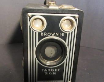 Brownie Target Six 16 Vintage 1946-51 Box Camera