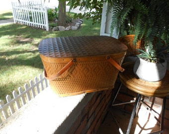 Redman Picnic Basket with Diamond Pattern Vintage