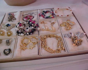 SPECTACULAR Lot of 16 Pieces of Expensive Jewelry ~ Pre-Christmas Bargains.