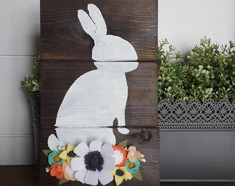 Bunny sign with felt flowers