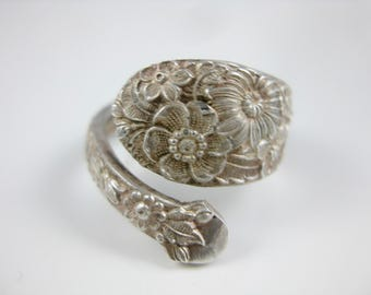 Size 8 1/4 Vintage Sterling Silver Gorham Alvin Adjustable Floral Pattern Flatware Spoon Ring