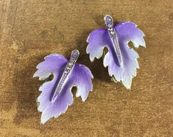 Mauve Purple Lavender Enamel Rhinestone Leaf Earrings Clip On Unsigned Gold Tone Setting