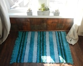 "Vintage Shag Throw Rug / 1960s mod / rya Scandinavian / 40"" x 28"""