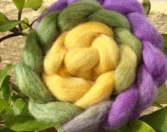 Hand dyed roving, Icelandic,  roving, spinning,  felting fibre, felting wool,  spinning wool, colour Primula