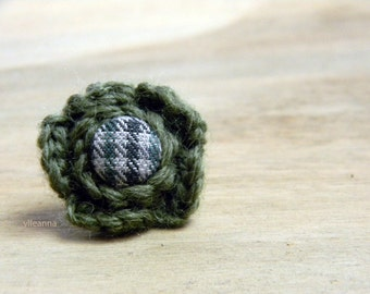 Men lapel flower. Flower lapel pin. Wool boutonniere. Mens accessories. Checkered lapel flower.  Moss green, grey.