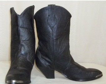 SWEETHEART SALE Vintage Womens Short Ankle Black Leather Cowboy Boots 6 1/2M Western