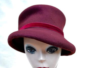 Vintage Burgundy Wool Felt Top Hat / Vintage Top Hat / Mad Hatter Top Hat / Steam Punk Top Hat / Vintage Felt Top Hat / Costume Top Hat