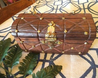 Vintage Cedar CHEST ~ Hinged box ~ Pirates treasure box ~ BOHO Decoration ~ Wood and Brass  Storage Jewelry Chest