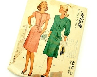 Shop Sale Vintage 1940s McCalls Pattern 6355 / 40s Womens Size 15 Day Dress, Ruffled Bodice or Bow Pocket / bust 33 waist 27 / Uncut Complet