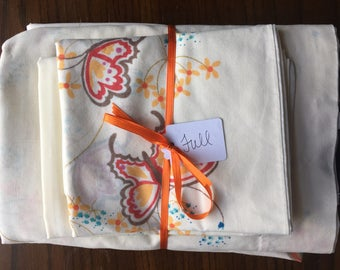 Vintage Full Sheet Set in retro butterflies / full flat sheet / full fitted sheet / vintage pillowcases