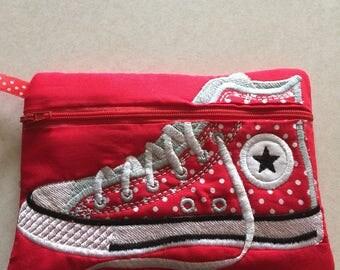 Zippered tennis shoe bag