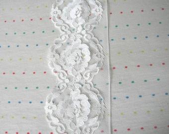 "Destash Wide Vintage Ivory Floral Print Lace Trim, 3"" Wide - 8 Feet"
