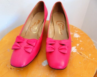 60s MOD pink leather pumps with bows size 8