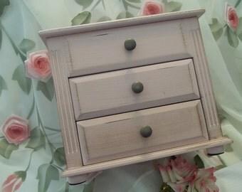 MINT Gorgeous Shabby Chic Pink Wood Chest Jewelry Box - Vintage - Vanity - Dresser - Storage