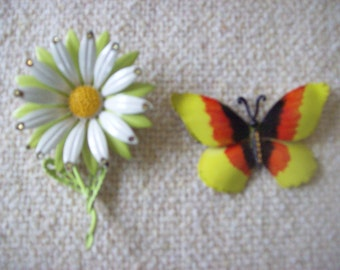 2 Vintage Metal Brooch Jewelry Pins Daisy and Butterfly Spring and Summer Designs