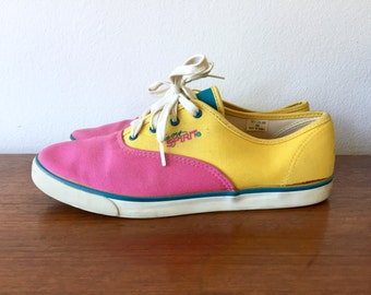 Color Block Sneakers / Pink Yellow Blue Tennis Shoes / 80's Colorful Lace Up Easy Spirit Canvas Shoes / Multicolor Athletic Tie Shoes Size 9