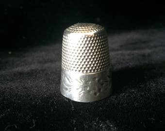 Vintage Waite, Thresher Co. Sterling Thimble