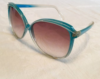 Blue vintage sunglasses, oversized seventies shades, aquamarine plastic, gradient lenses, tinted lenses, ombre, eyewear, made in taiwan