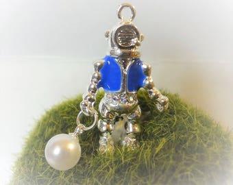 Pearl Diver pendant - Silver plated - rhinestone - Under the sea - deep sea  - pearl pendant - underwater - sea - ocean