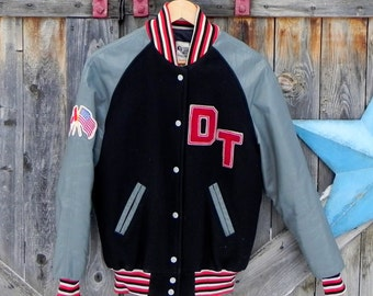 vintage letterman jacket, size small