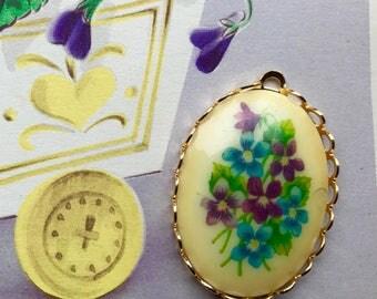 Vintage Forget me Nots Pendant, Rose Pendant,GlassPendant, Violets Pendant, Floral pendant, Victorian Pendant,Pansy Pendant,NOS #997MX