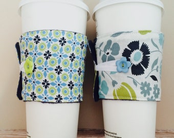 Coffee Cup Cozy, Coffee Cup Sleeve, Cup Cozy, Cup Sleeve, Reusable Coffee Sleeve - Navy Flowers [26-27]