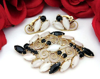 Black Glass & White Moon Glow Vintage Brooch Earrings Set With Gold Filigree