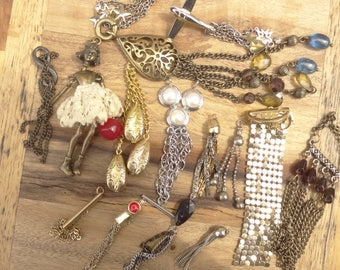 Vintage Jewelry Lot. Chain Destash Lot. All Chain Drops Charms. Chain Findings. D94
