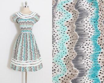 Vintage 40s Dress | vintage 1940s dress | wavey stripe polka dot cotton | m/l | 5894