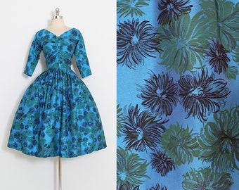 Vintage 50s dress   vintage 1950s dress   blue floral print   medium m   5866
