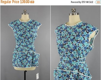 SALE - Vintage 1950s - 1960s Smock Apron / Blue Floral Print Cotton / 50s 60s Vintage Kitchen Baking Cooking / Crafts