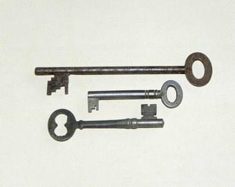 3 Rustic Old Vintage Skeleton Keys Supplies for Projects Destash