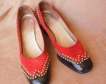 Vintage 70's Spectator Pumps, Oxford StyleTwo Tone Brick Red and Black Patent, with Gold Studs, Size 8, Chunky Low Heels