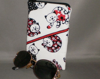 Cats - Eyeglass or Sunglasses Case - Zipper Top - Padded Zippered Pouch - Red Black White - Kitties