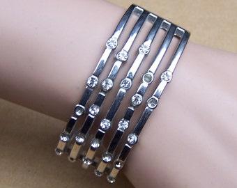 Vintage bangle bracelet metal clamper bracelet rhinestone bracelet Hollywood Regency style 1980s fashion rhinestone jewelry (ZZG)