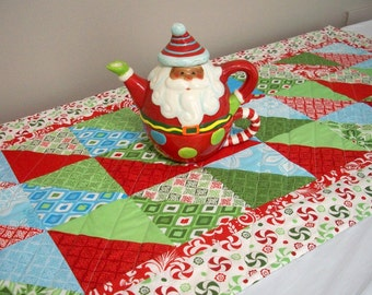 Christmas Table Runner Quilted Kate Spain Flurry Winter Holiday Quiltsy Handmade FREE U.S. Shipping