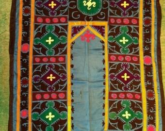 "BLUE SUZANI Wall Hanging Small Vintage Uzbek Embroidery Cloth / 3'7""x3'9"" / 110x116cm"