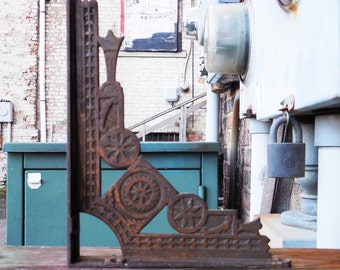 Vintage bracket Eastlake decorative Shelf Furniture wall supplies Ornate cast iron antique bracket