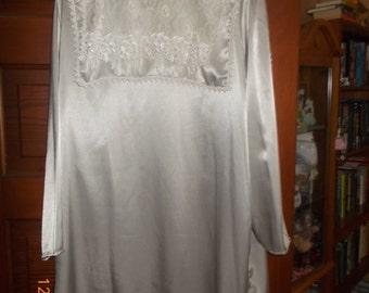 grey statin vintage blouse size18 1/2