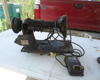 Antique Singer Sewing Machine With Foot Pedal NOT WORKING, collectable