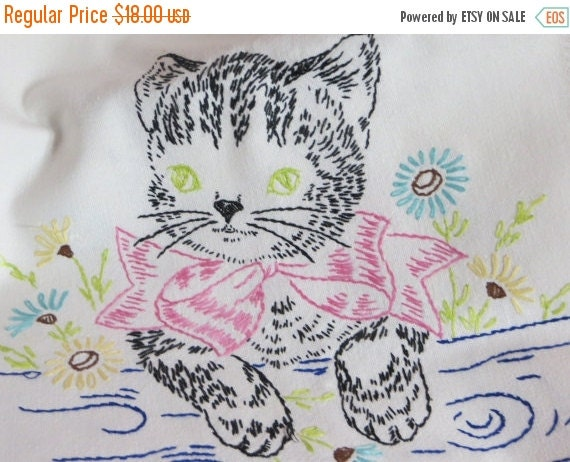 ON SALE Vintage Runner-Embroidered Kitten-Vanity-Dresser Scarf-Shabby Cottage Chic-Towel-CUTE