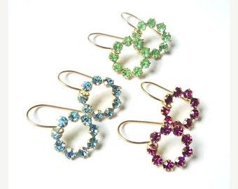 SALE Vintage crystal circle dangle earrings.  Blue topaz.  Peridot.  Fuchsia.  Circles.  Bridal earrings.  Bridesmaids.  Wedding jewelry.