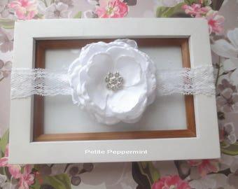 White baby headband, white bow headband, toddler headband, newborn headband, infant headband, girl headband, white baby hair bow