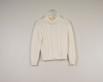 white short cropped turtleneck 70s vintage pullover cable knit fitted sweater 30 bust