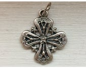 5 Pieces of Cross Medal Findings, Five Star, Die Cast Silverplate, Silver Color, Oxidized Metal, Made in Italy, Charm, Drop, RM202