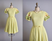60's Floral Dress // Vintage 1960's Embroidered Floral Full Skirt Garden Party Picnic Dress XS